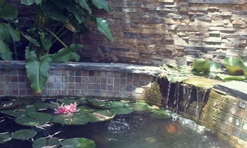 Instalación de fuentes ornamentales en Granada | Granada Jardín